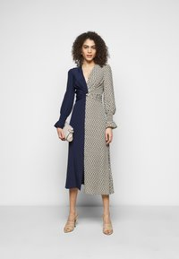 Diane von Furstenberg - MICHELLE - Day dress - ivory/navy - 1