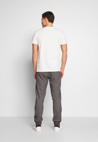 Superdry - ORANGE LABEL CLASSIC - Teplákové kalhoty - mid grey texture - 2