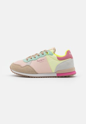 ARCHIE FUN  - Trainers - acid yellow