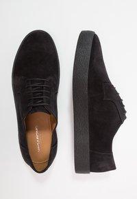 Vagabond - LUIS - Casual lace-ups - black - 1