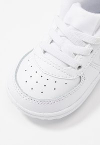 Nike Sportswear - FORCE 1 CRIB - Baby shoes - white - 2