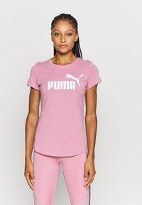 Puma - LOGO TEE - T-shirt con stampa - foxglove - 0