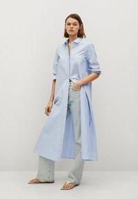Mango - FACTORY - Shirt dress - blå - 1