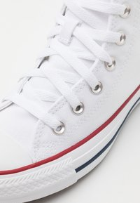 Converse - CHUCK TAYLOR ALL STAR WIDE FIT  - Zapatillas altas - optical white - 5
