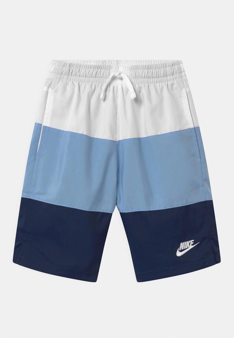 Nike Sportswear - WOVEN BLOCK - Short - white/psychic blue/midnight navy