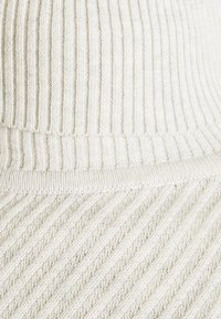 Pier One - Jumper - off-white - 6