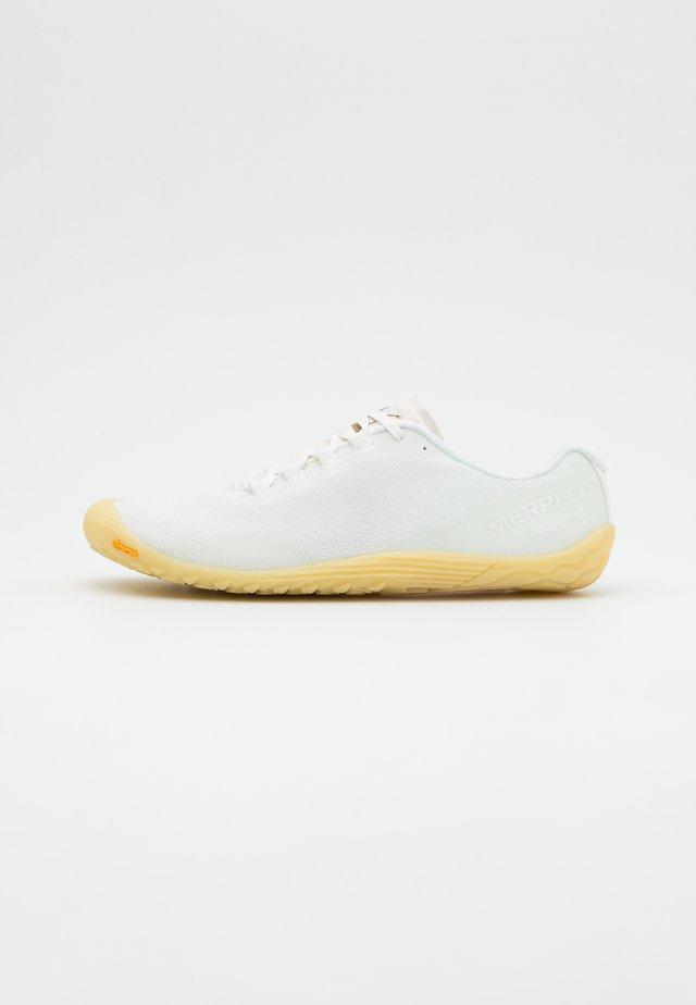 VAPOR GLOVE  - Minimalist running shoes - undyed