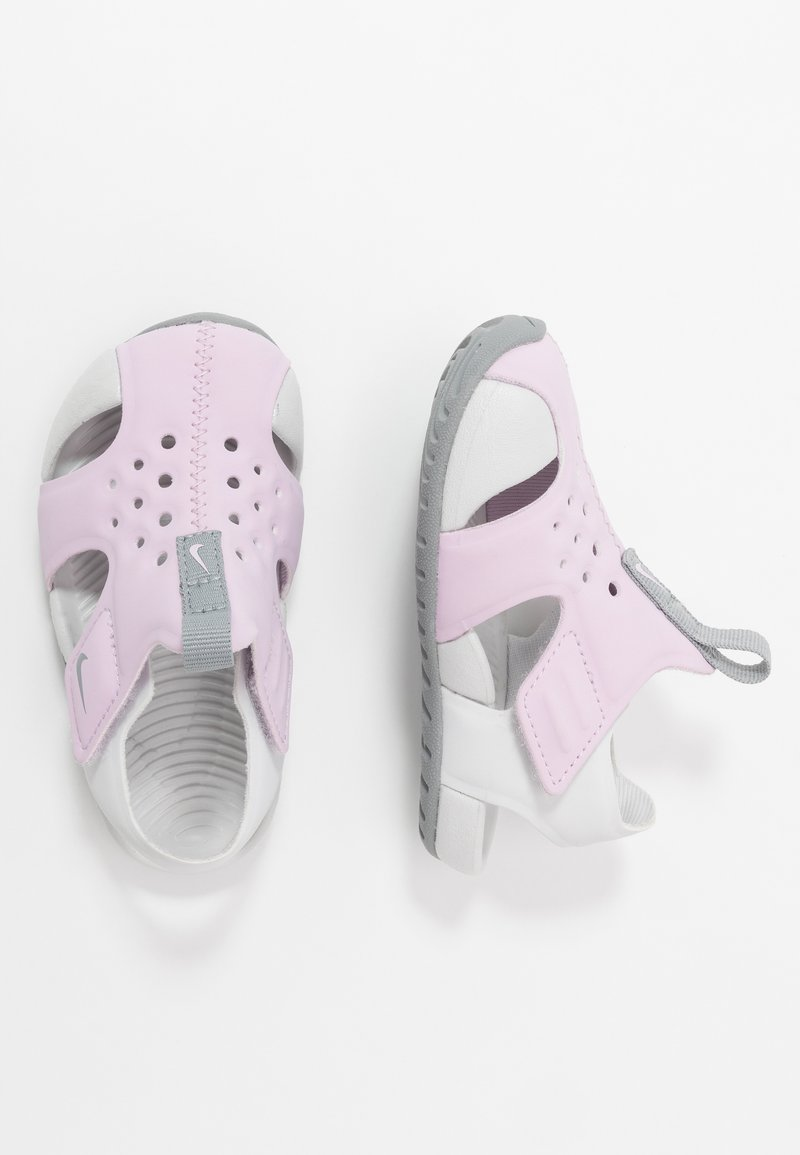Nike Performance - SUNRAY PROTECT - Zapatillas acuáticas - iced lilac/particle grey/photon dust
