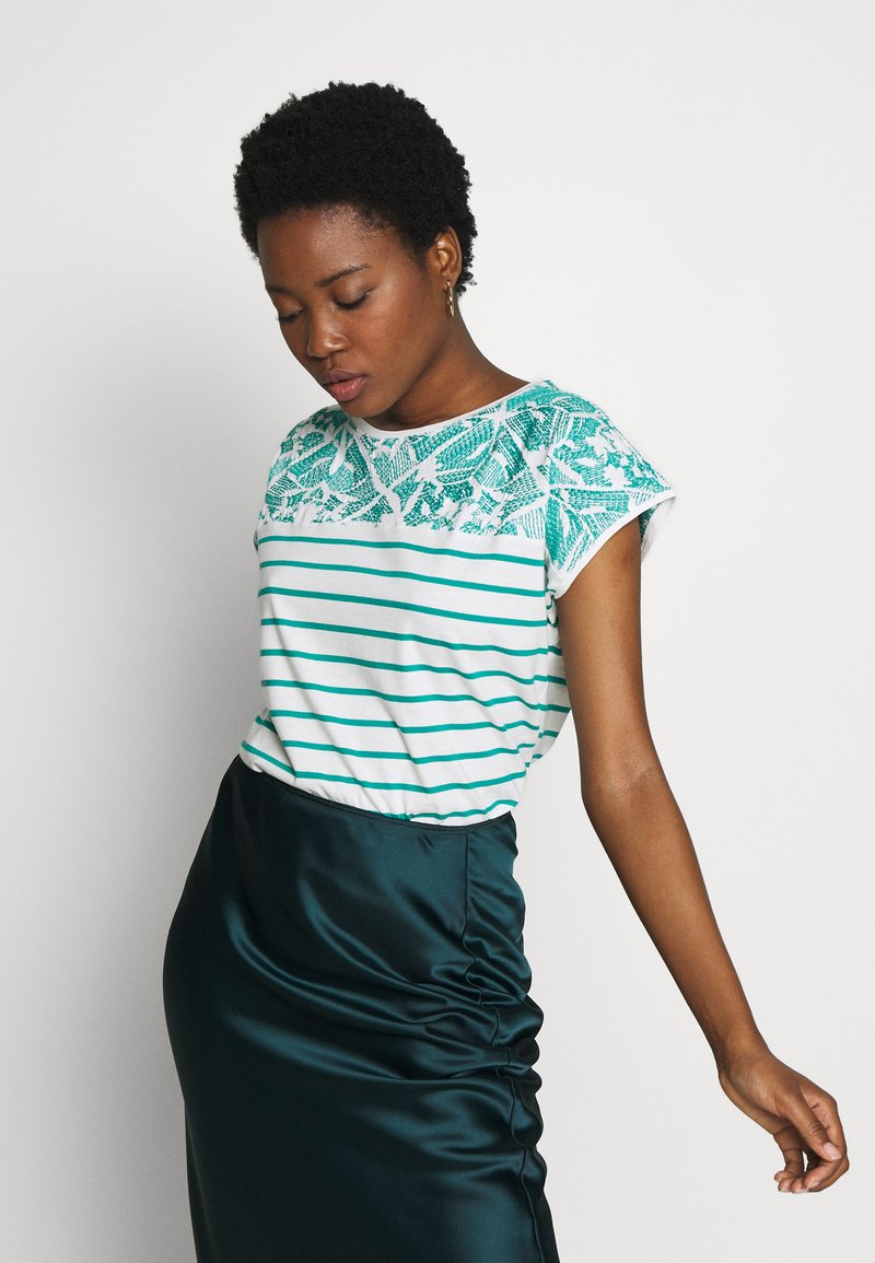 Esprit - STRIPED TEE - Print T-shirt - teal green