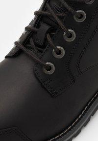 Timberland - LARCHMONT CHUKKA - Lace-up ankle boots - black - 5
