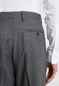 Paul Smith - GENTS FORMAL PLEATED TROUSER - Kostymbyxor - grey - 3