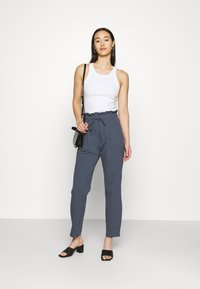 ONLY - ONLKIRAS LIFE PANTS - Trousers - ombre blue - 1