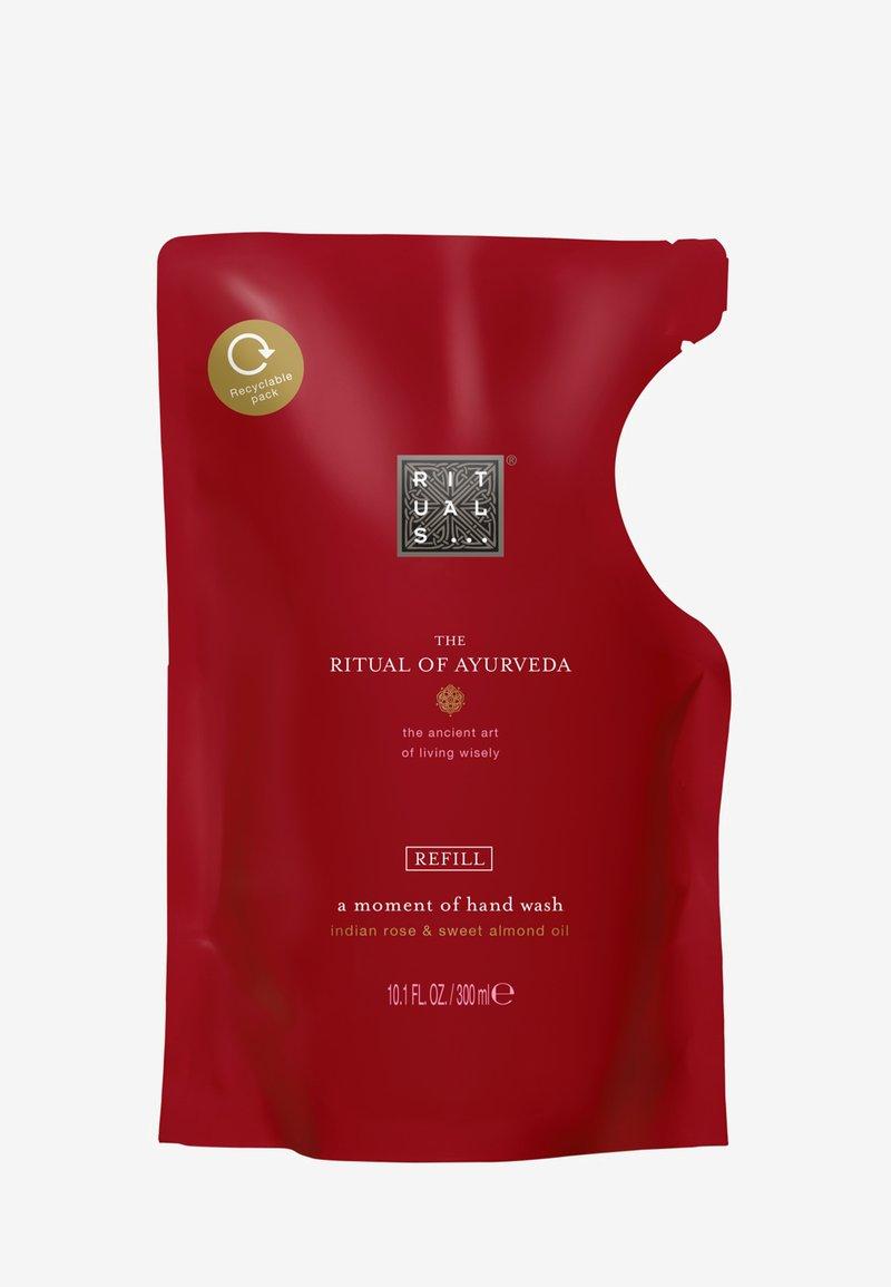 Rituals - THE RITUAL OF AYURVEDA REFILL HAND WASH - Liquid soap - -