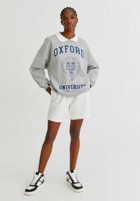 PULL&BEAR - OXFORD - Sweatshirt - grey - 1