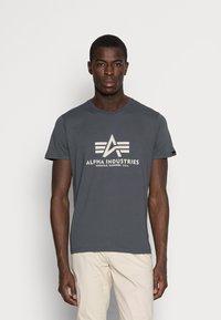 Alpha Industries - Print T-shirt - anthrazit - 0