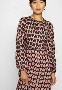 Closet - CLOSET PUFF SLEEVE DRESS - Day dress - pink - 5