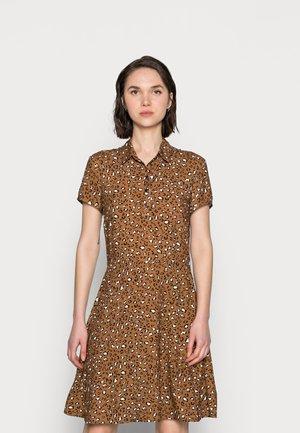 PRINTED DRESS - Skjortekjole - chipmunk leopard