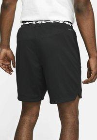 Jordan - Shorts - black/white - 2