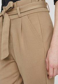 Vero Moda - LOOSE PAPERBAG  - Kalhoty - silver mink - 3