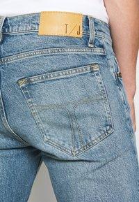 Tiger of Sweden Jeans - PISTOLERO - Jeans straight leg - light blue - 5