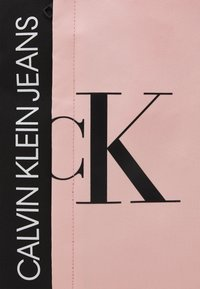 Calvin Klein Jeans - HYBRID LOGO BACKPACK UNISEX - Rucksack - sand rose - 3