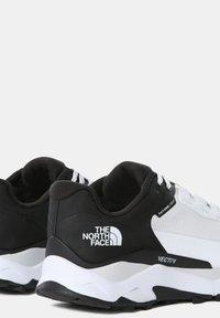 The North Face - EXPLORIS FUTURELIGHT - Chaussures de marche - tnf white tnf black - 5