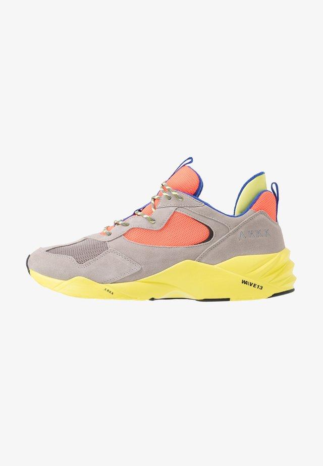 KANETYK - Sneakers basse - ash/neon lime