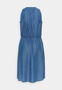 edc by Esprit - DRESS - Denimové šaty - blue medium wash - 1