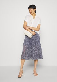 Abercrombie & Fitch - PLEATED MIDI - A-line skirt - blue - 1