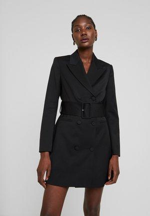 WITH BELT - Korte jurk - black
