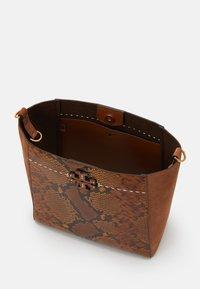 Tory Burch - MCGRAW EXOTIC - Handbag - dark caramel - 3