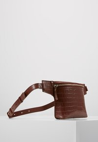 mint&berry - LEATHER - Bum bag - whiskey - 3
