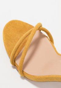 Glamorous - Sandały na obcasie - mustard - 2