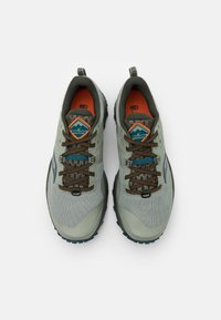 Saucony - PEREGRINE 10 - Trail running shoes - pine/orange - 3