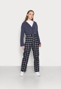 Fashion Union Petite - CLOVE - Cardigan - blue - 1