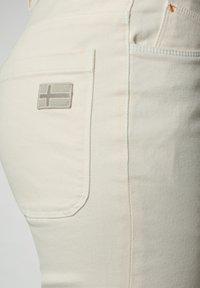Napapijri - Denim shorts - new milk - 6