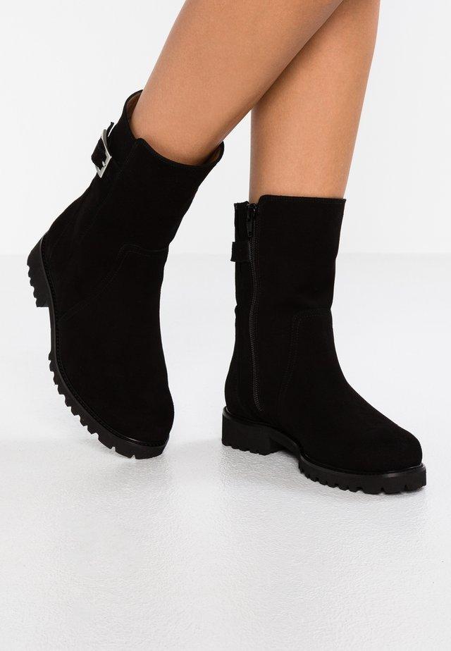 ADA - Boots - nero