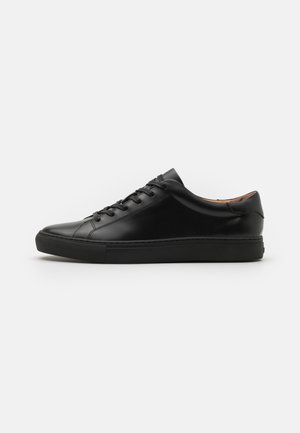 CLOUDY JERMAIN - Sneakers basse - black