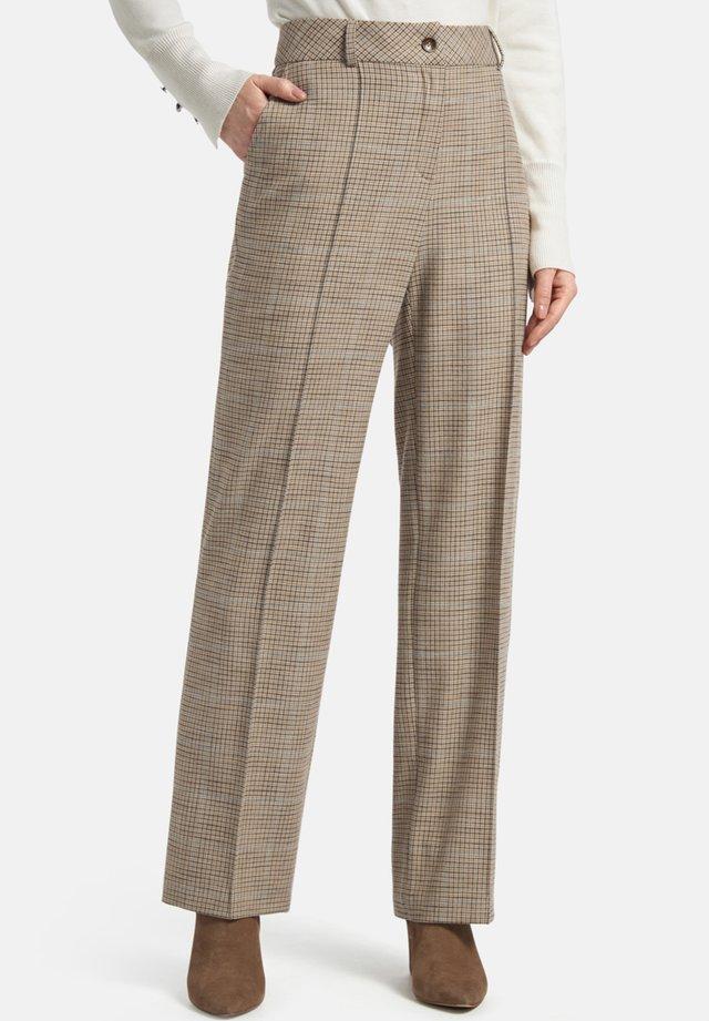 MIT BüGELFALTEN UND KARO-MUSTER - Trousers - beige