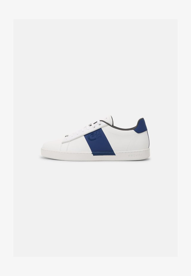 GROSS MATTE - Trainers - white/blue