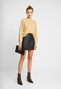 Topshop - COATED JONI SKIRT - Minijupe - black
