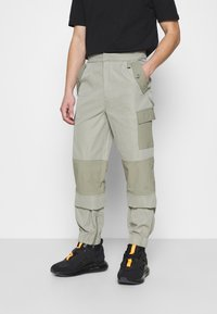 Mennace - HARDWARE TROUSERS - Bojówki - grey - 0