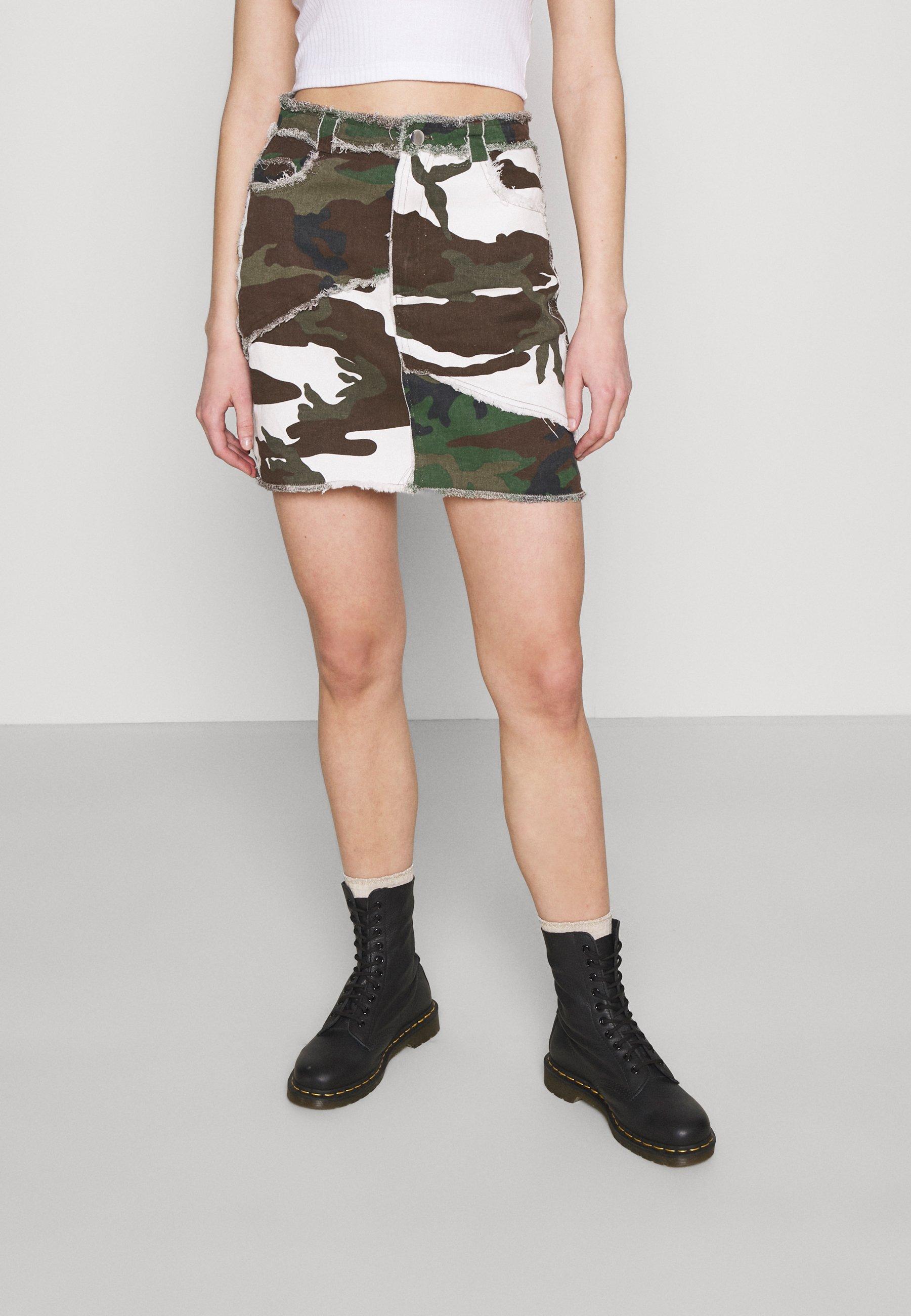 Women CONTRAST CAMO PANEL RAW HEM MINI SKIRT - Mini skirt