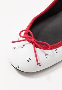 Repetto - LILI - Ballet pumps - blanc - 2