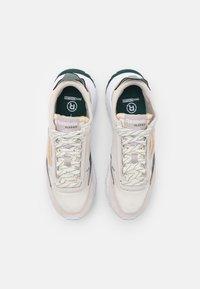 Reebok Classic - LEGACY UNISEX - Sneakers laag - sansto/forgrn/hargrn - 3