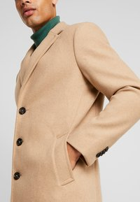 TOM TAILOR - WOOL COAT IUTTONS - Kort kappa / rock - beige wool structure - 3