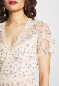 Needle & Thread - RUFFLE GLIMMER DRESS - Vestido de cóctel - offwhite - 6
