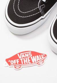Vans - SK8 TAPERED - Sneakers hoog - black/true white - 5