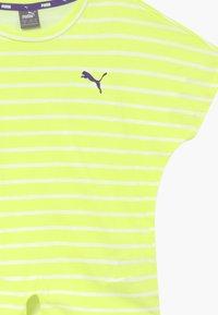Puma - ALPHA STRIPED TEE - Print T-shirt - sunny lime - 3