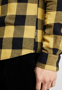 Only & Sons - ONSGUDMUND CHECKED - Skjorta - burnished gold - 3